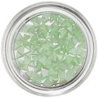 Perleťové ozdoby v tvare trojuholníka - svetlozelené